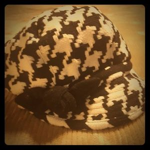 Cabbie style hat